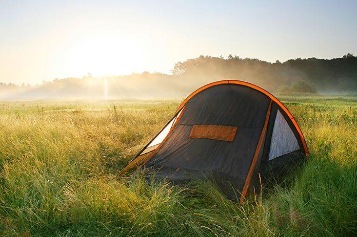 Wyprawa pod namiot. O czym należy pamiętać?