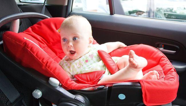 Dziecko w samochodzie, czyli jaki wybrać fotelik?